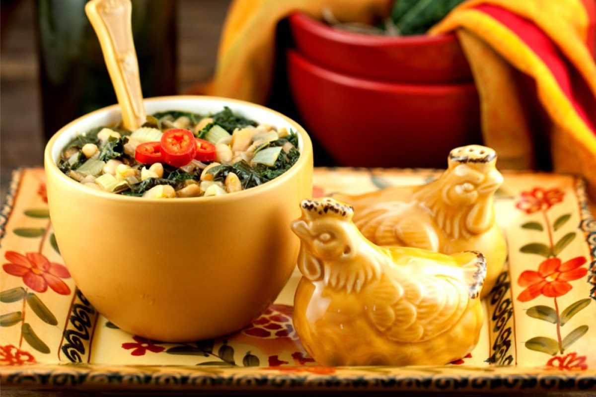 white-bean-and-kale-soup-organic-eats-mag1
