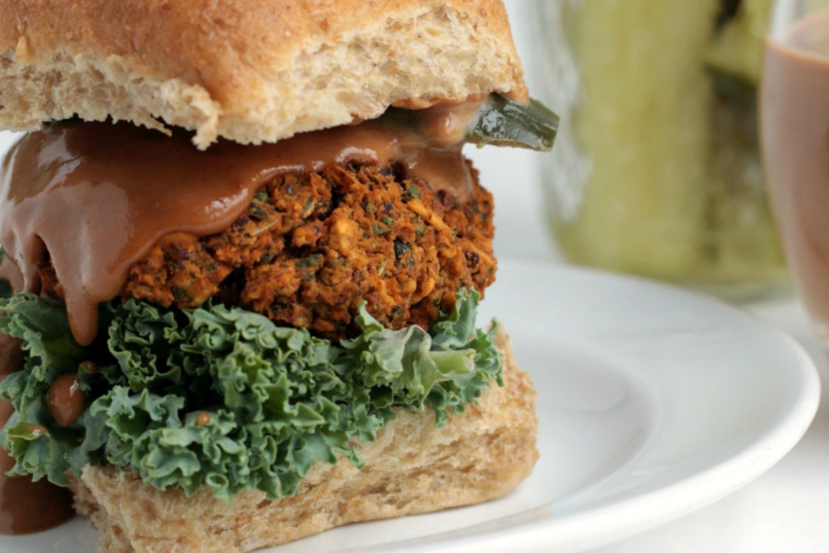 Kidney Bean and Kale BBQ Burger [Vegan, Gluten-Free]