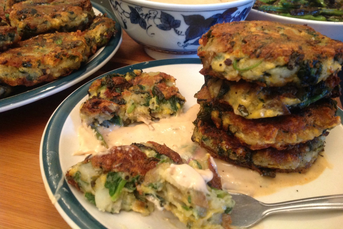 Potato and Spinach Cheddar Fritters With Horseradish Dipping Sauce [Vegan, Gluten-Free]