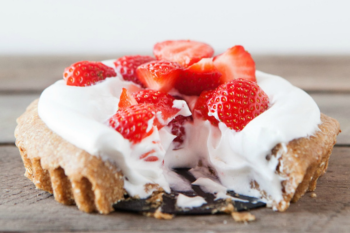 Strawberry Cream Pie [Vegan, Gluten-Free]