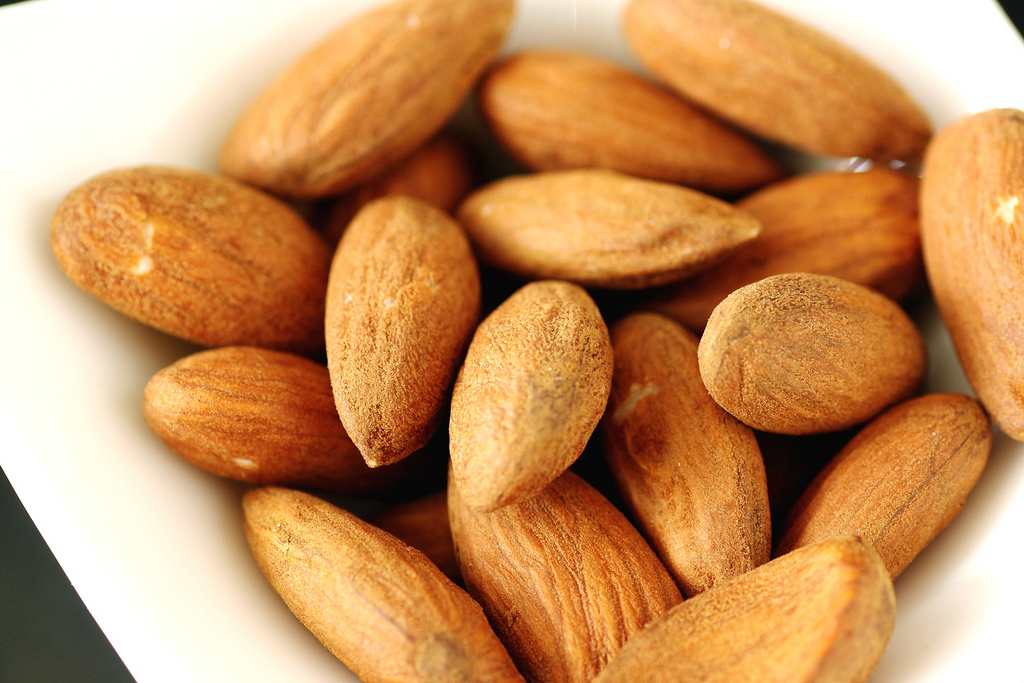 raw-almonds (1)
