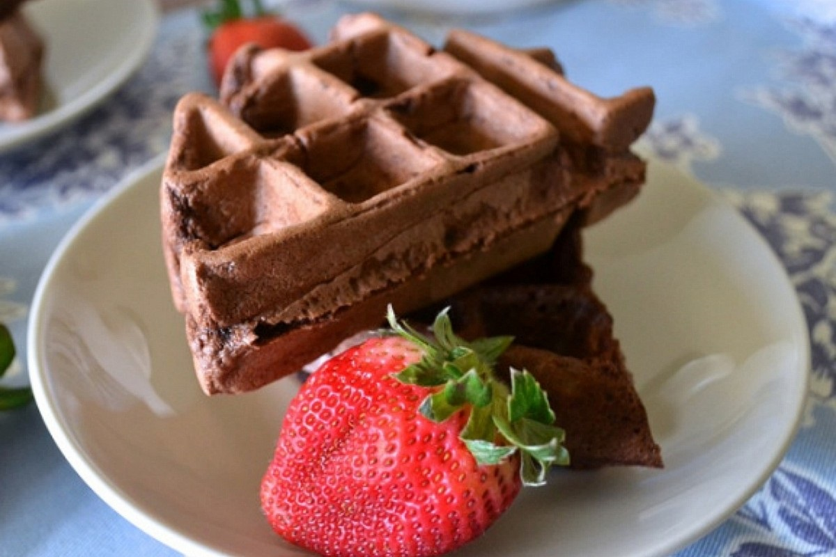Beer-with-Breakfast-Mexican-Chocolate-Waffles-1200x800