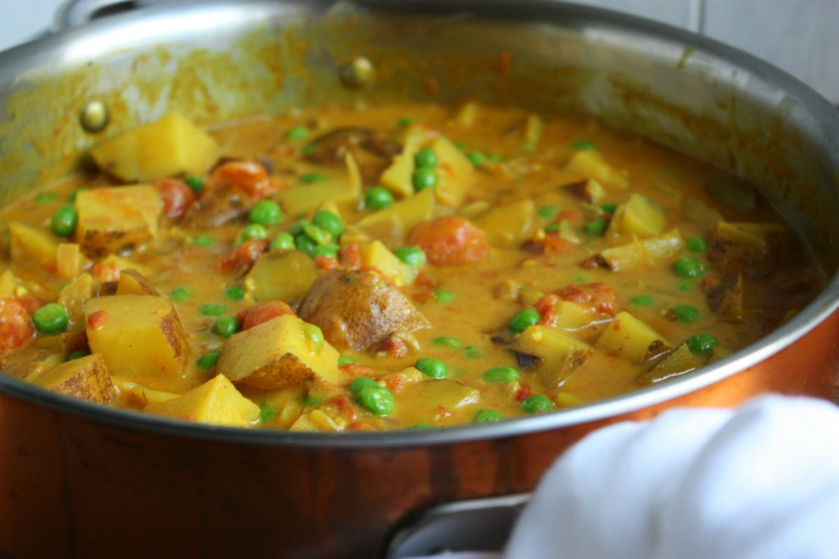 Super Simple Potato Curry [Vegan, Gluten-Free]