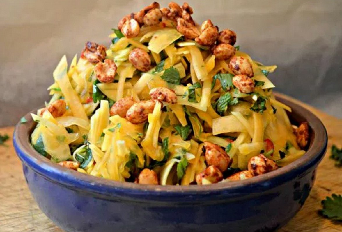 Spicy Papaya Salad With Smoky Roasted Peanuts [Vegan, Gluten-Free]