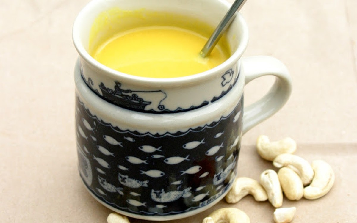 Liquid Gold Turmeric Latte [Vegan, Gluten-Free]