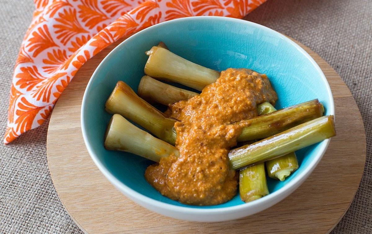 Caramelized Leeks With Romesco Sauce [Vegan, Gluten-Free]