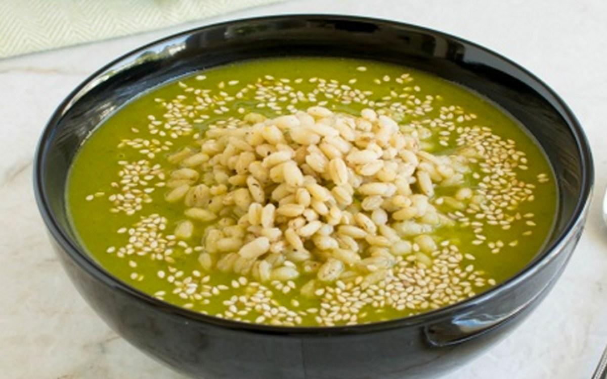 Cajun Spiced Barley Kale Soup [Vegan]