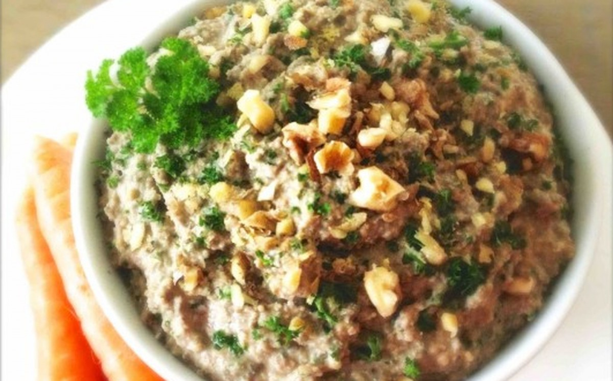 Green-Lentil-Walnut-Pate-560x560-1200x747