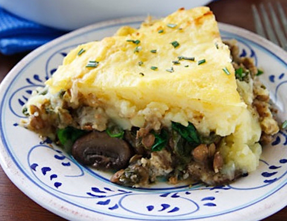 vegan lentil and mushroom shepherds pie