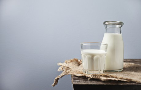 5 Ridiculous Myths About Cow's Milk