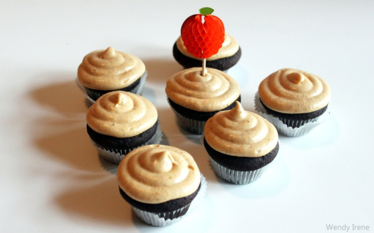 Chocolate Cupcakes With Pumpkin Coconut Frosting [Vegan] | One ...