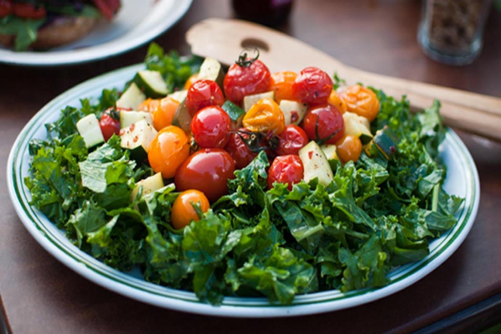 kale-tomato-salad