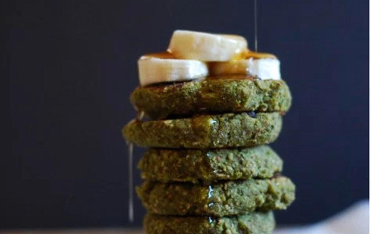 Vegan Matcha Oatmeal Pancakes
