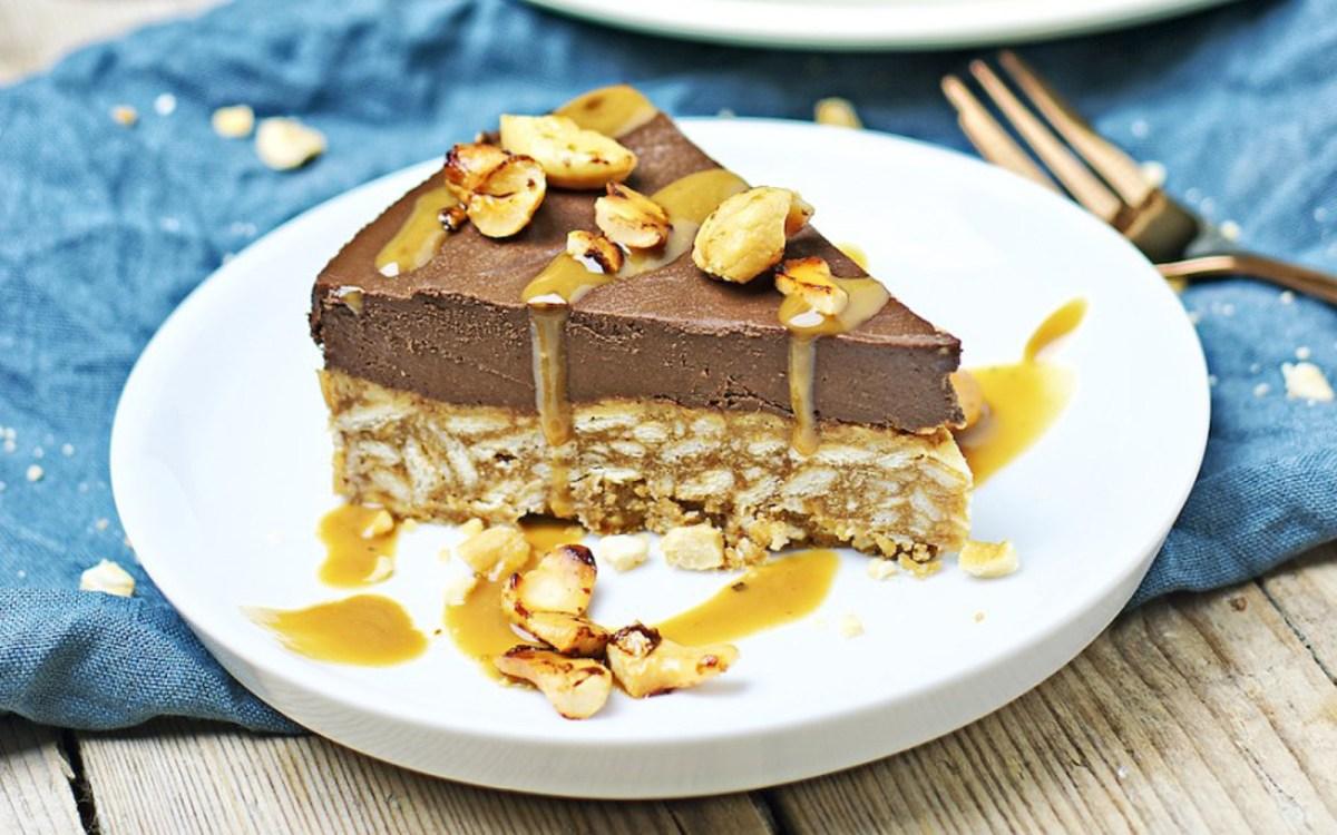 Vegan Chocolate Cake With a Crunchy Rice Crispy Base