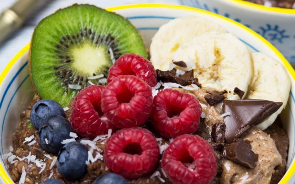 "Breakfast Chocolate and Fruit ""Zoats"" (Zucchini Oatmeal!)"