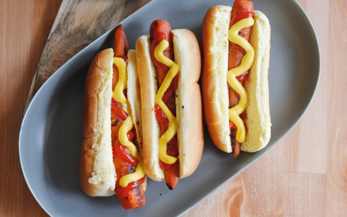 ikea launches a plant based hot dog here 39 s how to make your own at home one green planet. Black Bedroom Furniture Sets. Home Design Ideas