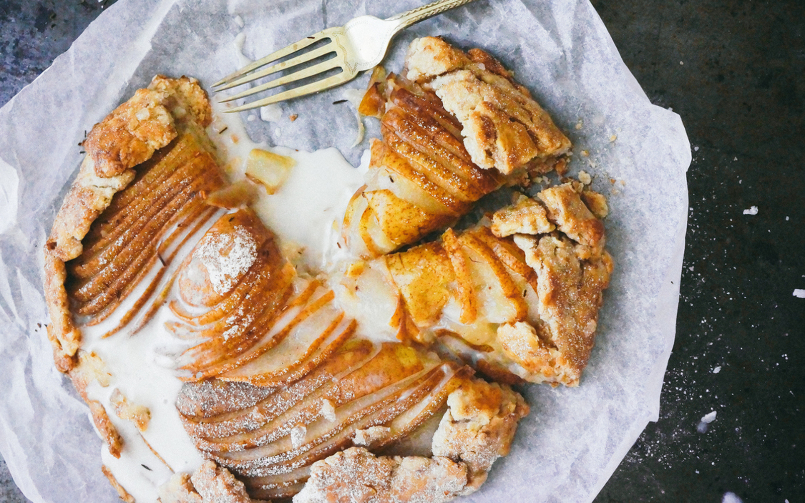 vegan pear galette with rooibos galette