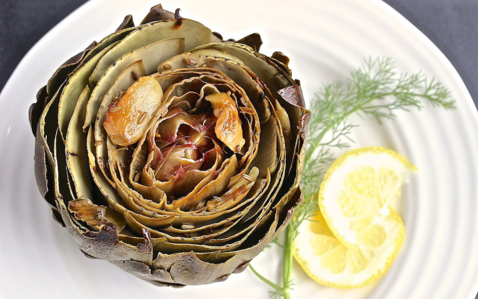 Roasted Artichoke With Garlic and Fennel