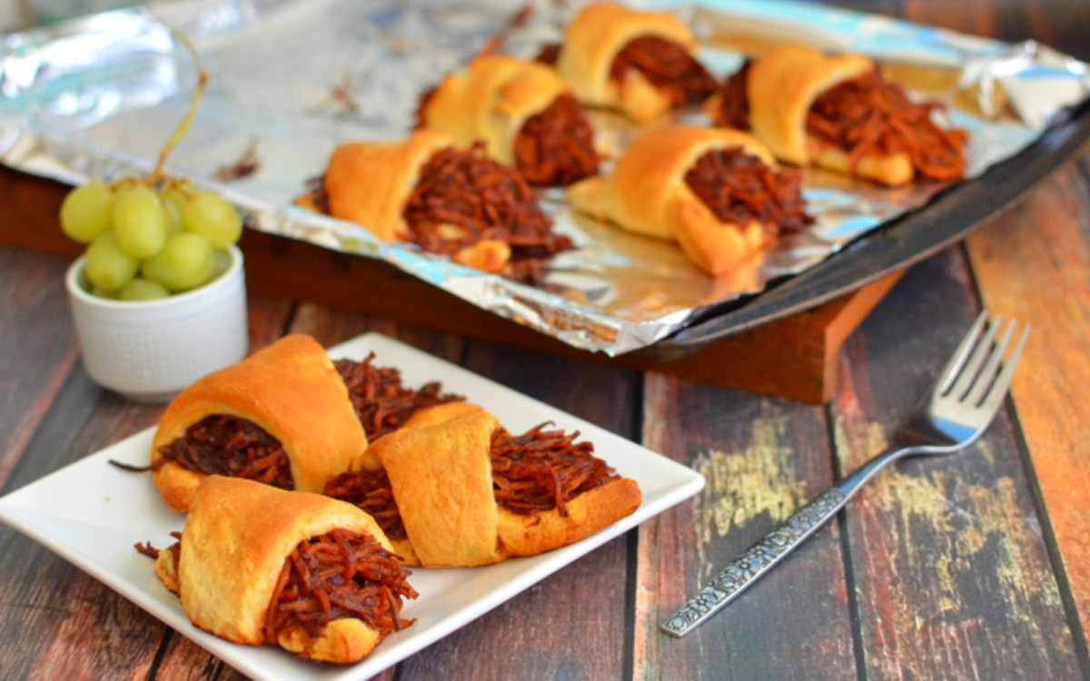 BBQ Pulled Carrot Rolls
