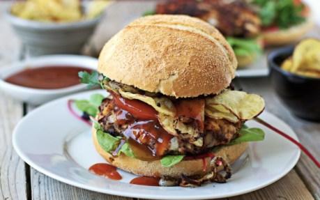 Buffalo Tempeh Burger