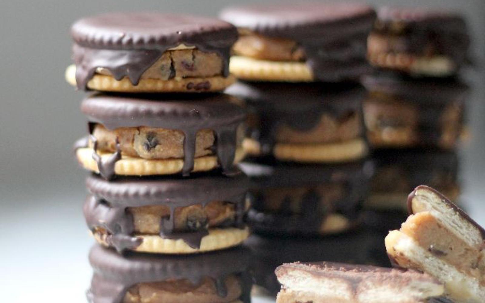 chocolate chip cookie dough sandwich