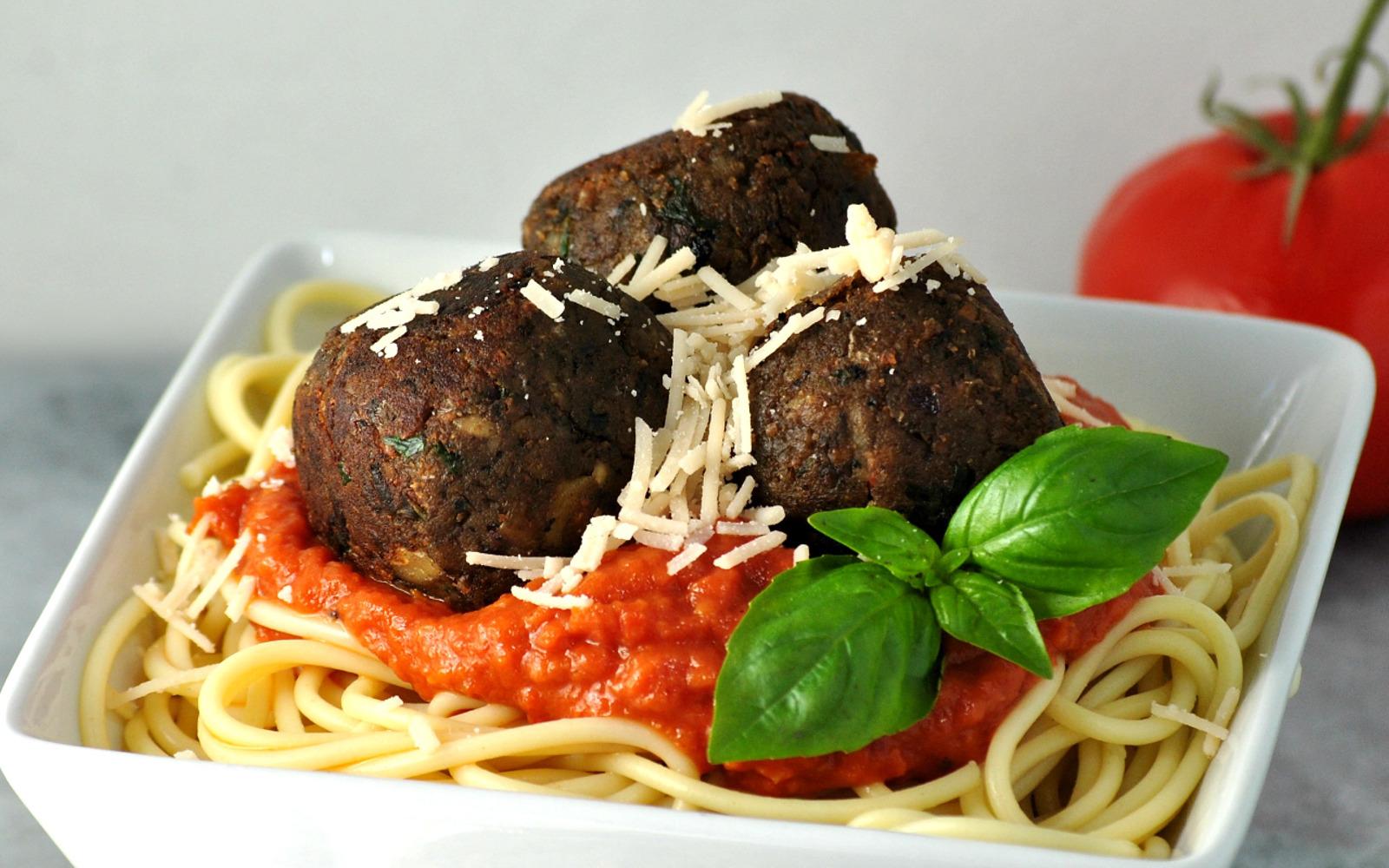 Pesto, Mushroom, and White Bean Meatballs