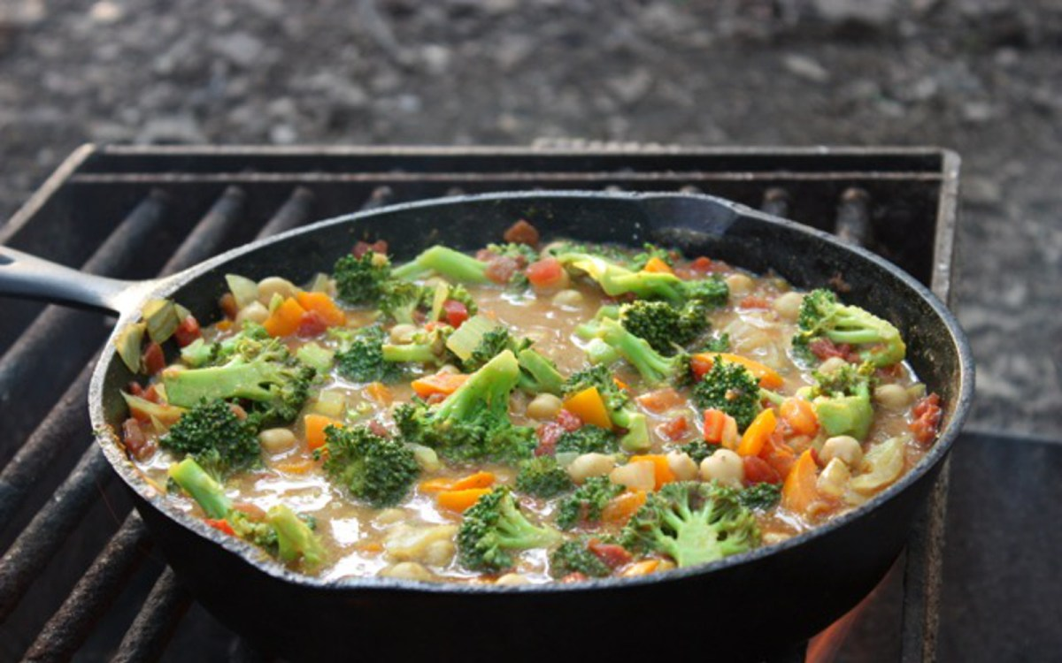 Easy summer meal ideas to cook when youre camping one green planet forumfinder Choice Image