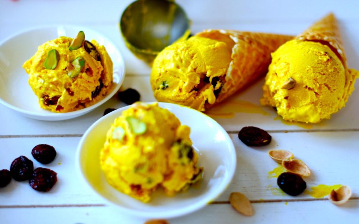 Saffron Ice Cream With Pistachios 3