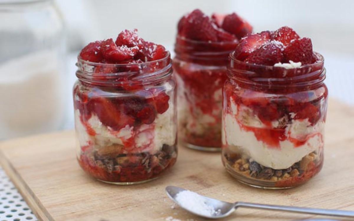 Vegan Strawberry Tiramisu