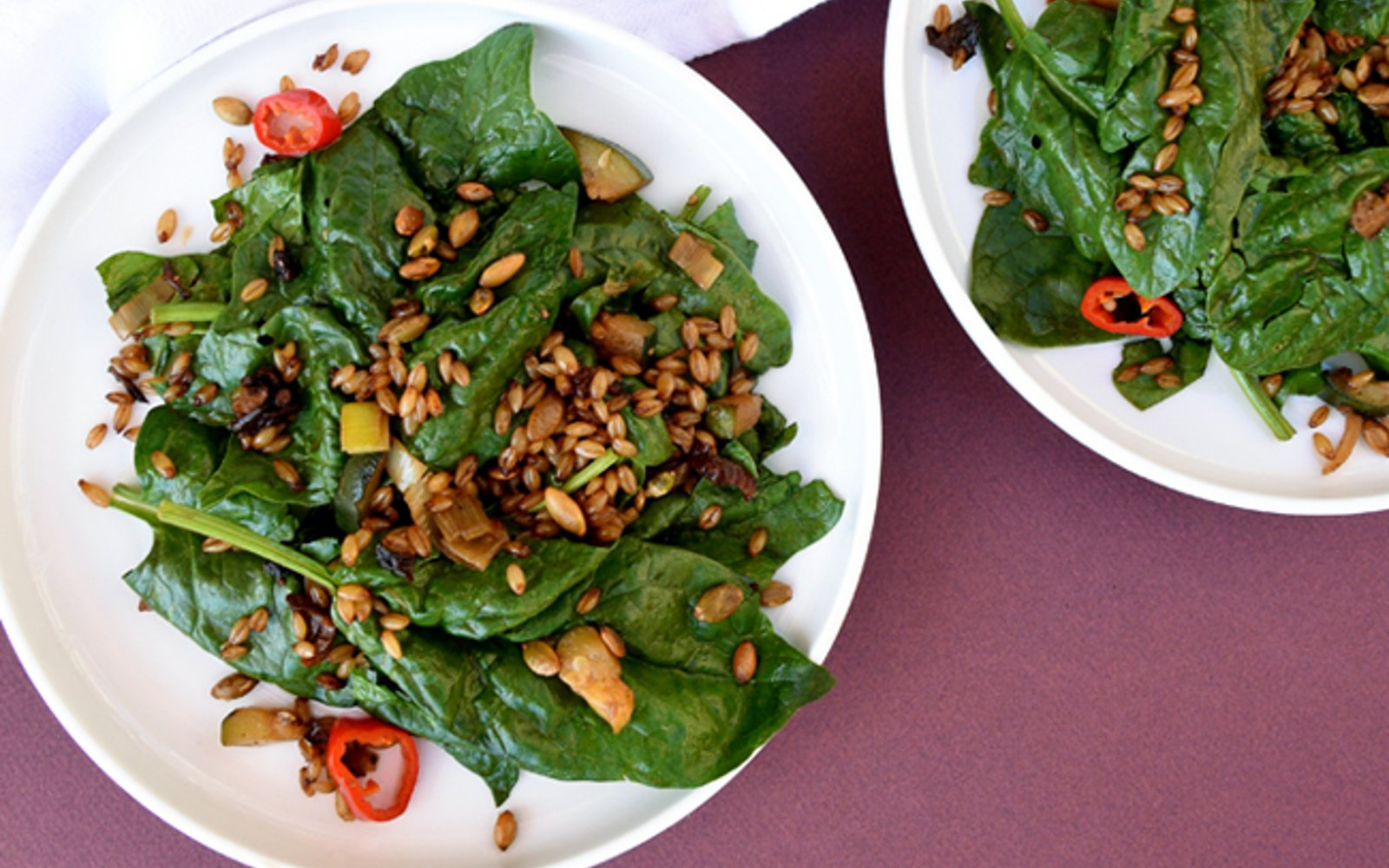 Vegan Spinach Salad With Barley Bacon