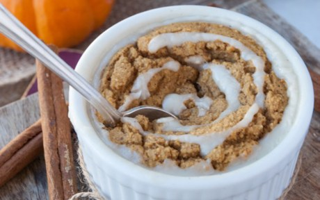 Healthy Pumpkin Cinnamon Roll Cake for One