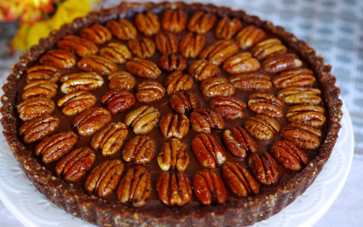 No-Bake Sweet Potato Chocolate Mousse Pecan Pie [Vegan, Gluten ...