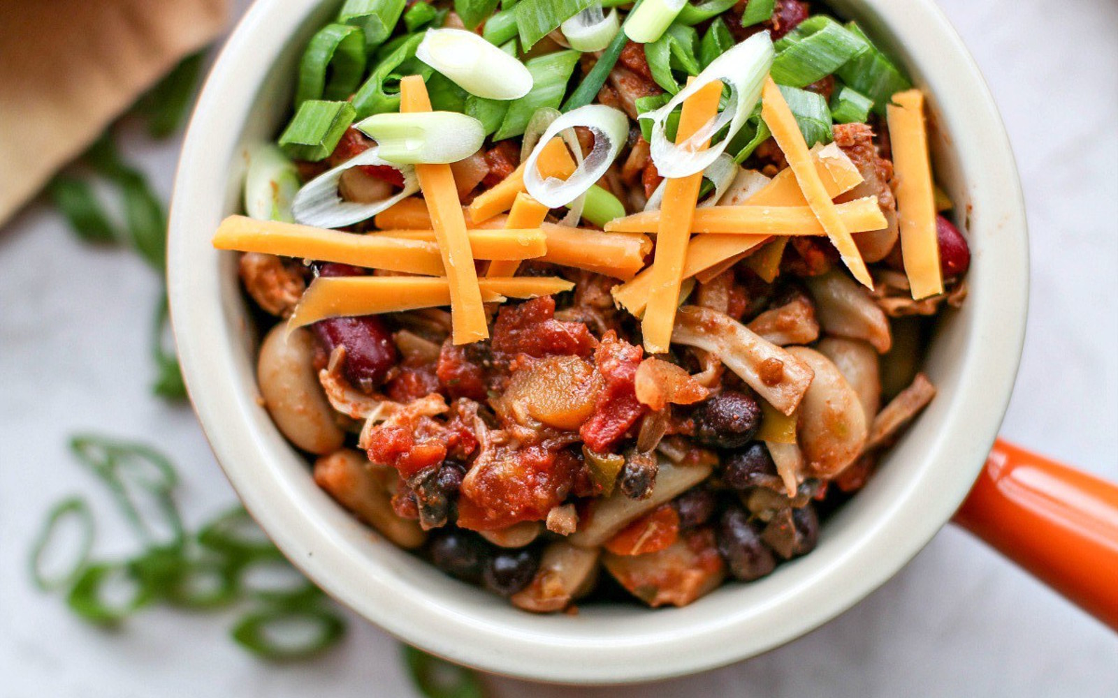 Smoky Slow Cooker Pulled Jackfruit Chili b