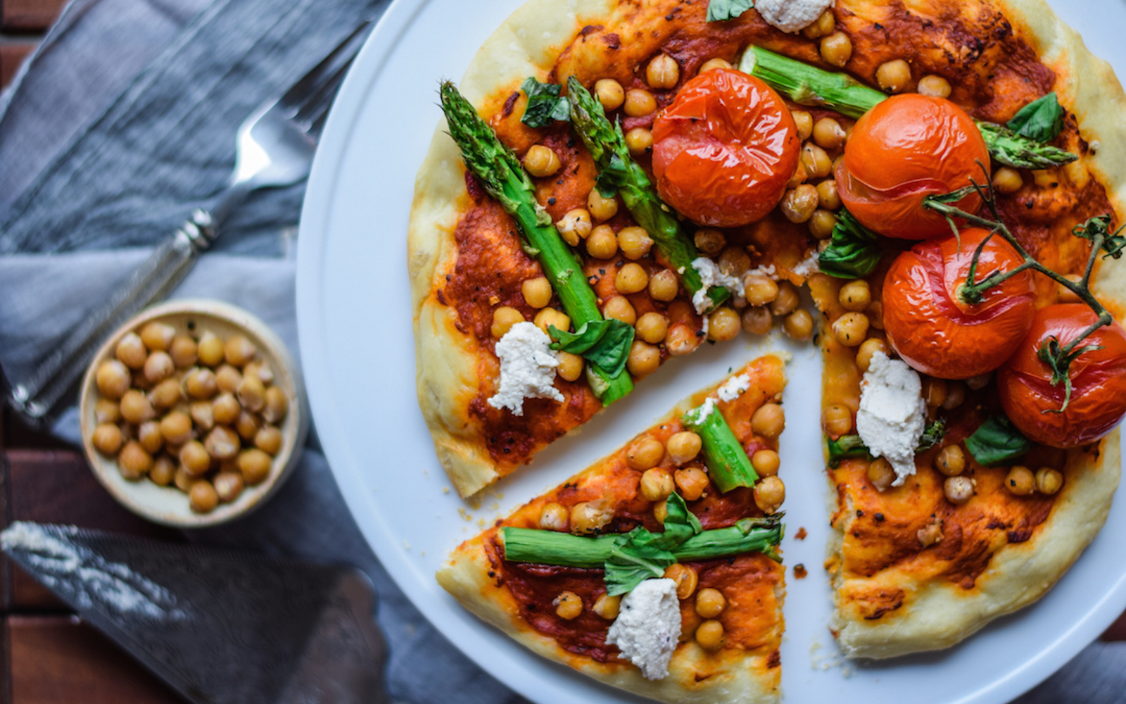 Mediterranean Pizza With Roasted Chickpeas