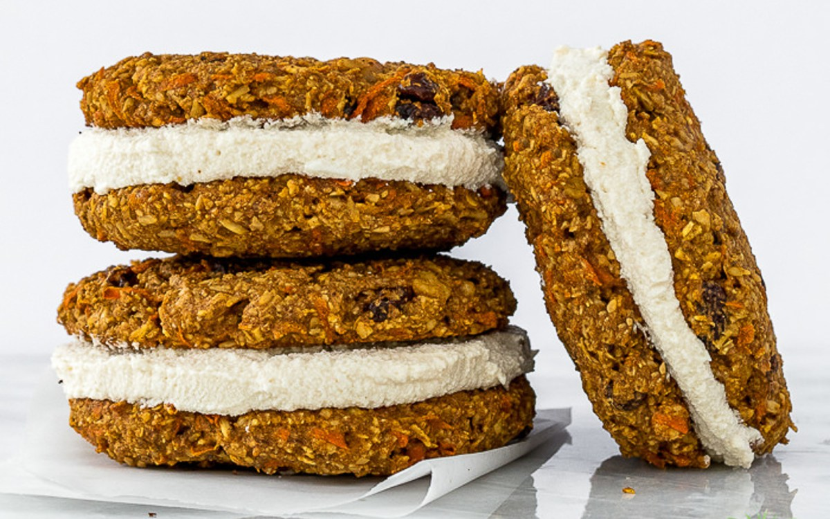 Vegan Carrot Cake Cookie Sandwiches With Coconut Cream Cheese Filling