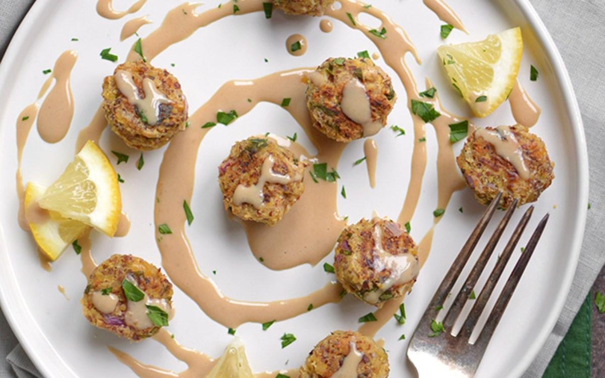Baked Falafel Balls With Flax and Tahini Sauce [Vegan ...