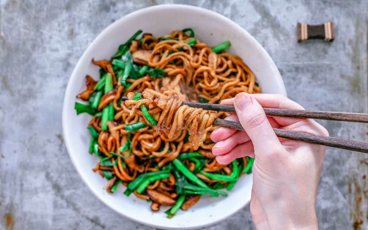 Yi Mein Chinese Long Life Noodles Vegan One Green Planet