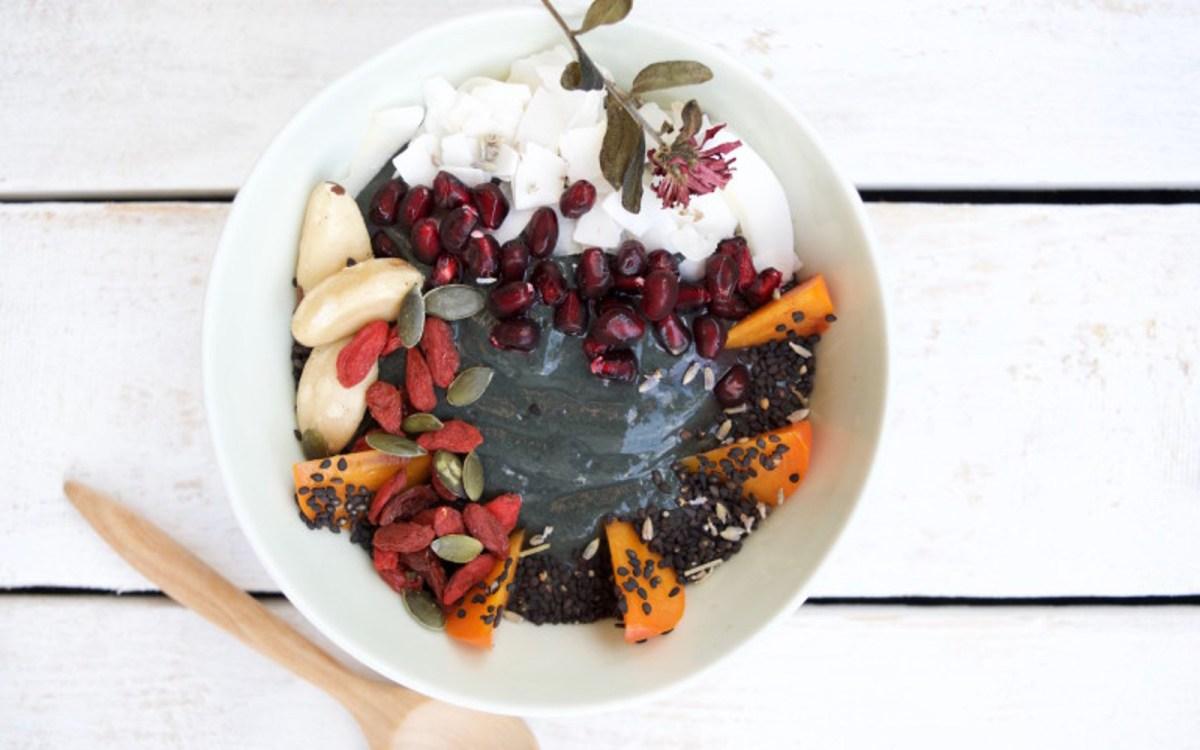vegan black charcoal smoothie bowl