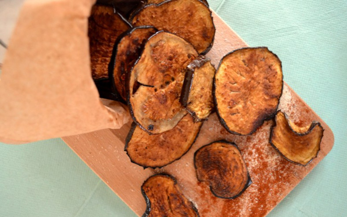 Vegan Spicy Balsamic Baked Eggplant Chips