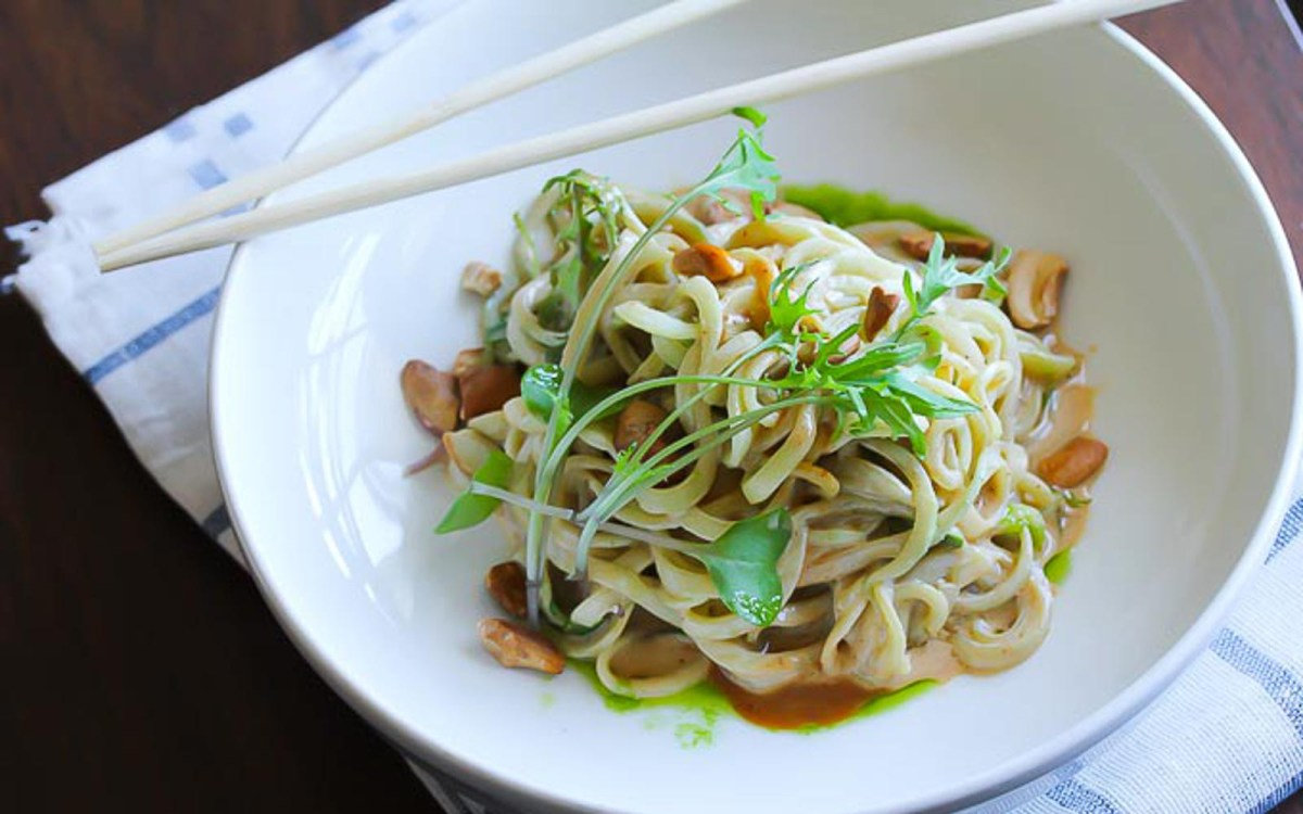 Cucumber Noodles With Spicy Tahini Sauce