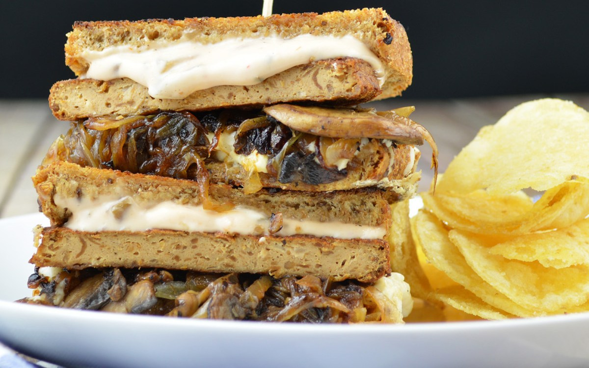Vegan Premium Patty Melt With Mushroom and Special Sauce