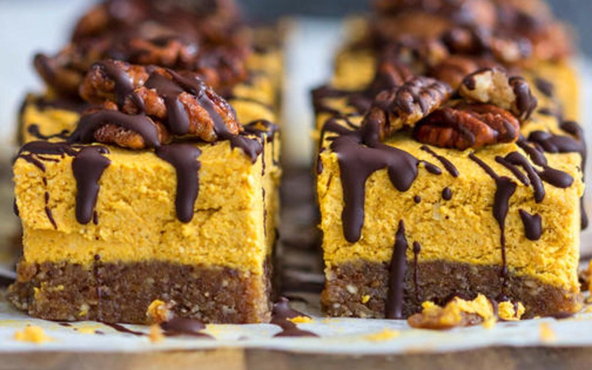 Raw Pumpkin Pie Cheesecakes [Vegan, Grain-Free]