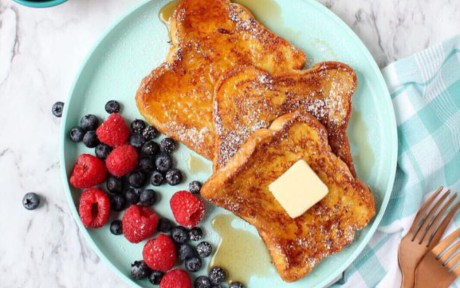 Vegan Eggless French toast with berries and vegan butter