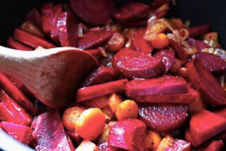 Vegan winter recipes archives one green planet earthy beetroot soup vegan gluten free0 forumfinder Images
