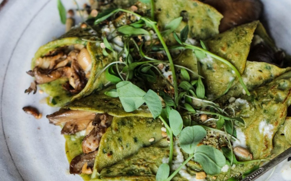 Buckwheat Spinach Crepes With Mushrooms, Pesto and Tahini Dressing