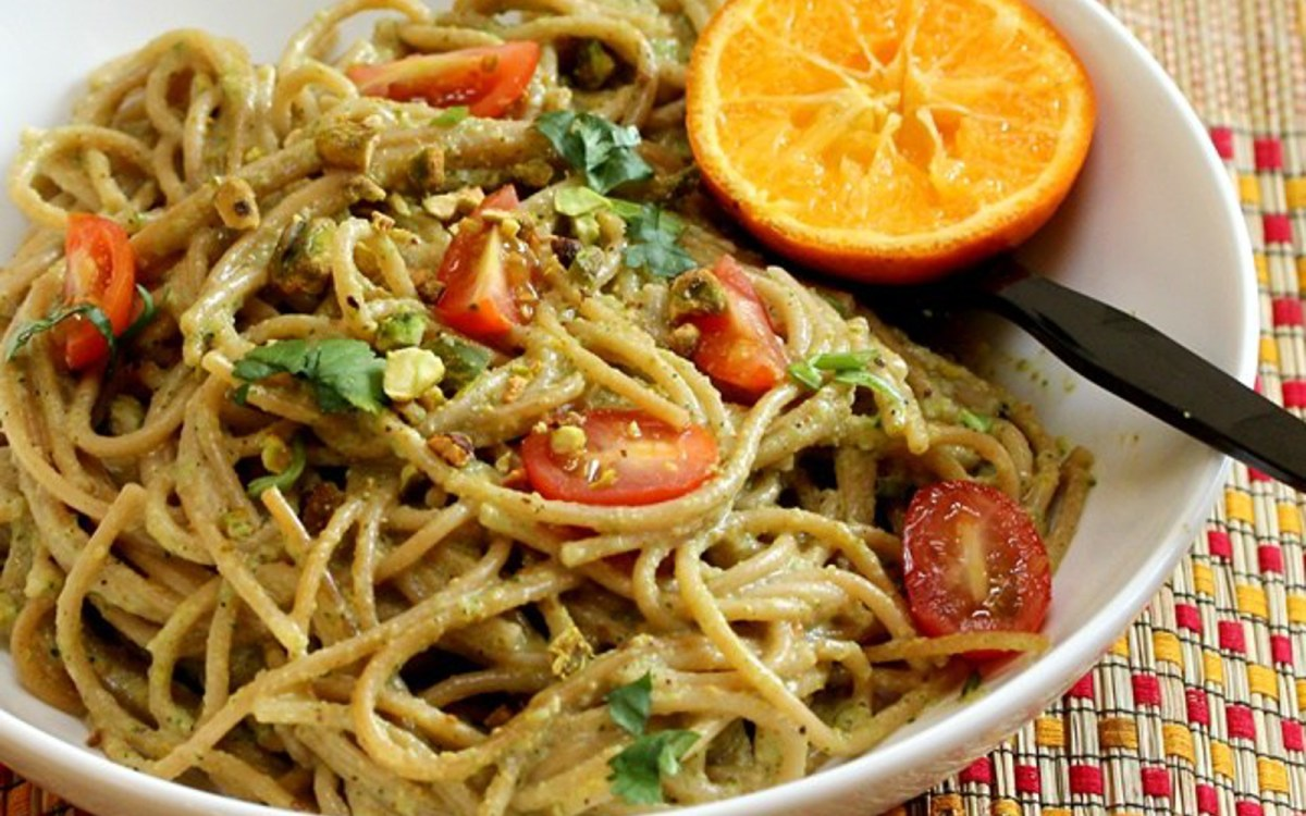 Vegan Pistachio and Broccoli Pesto Spaghetti