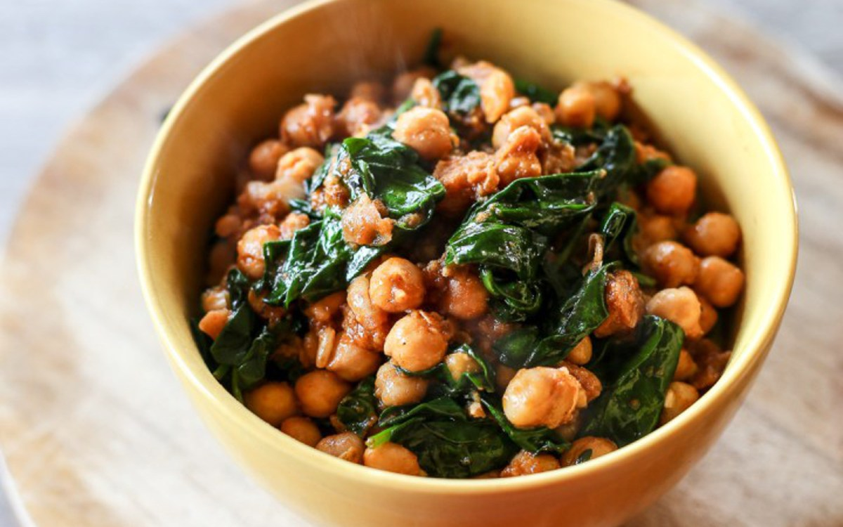 Espinacas con Garbanzos: Spinach with Chickpeas