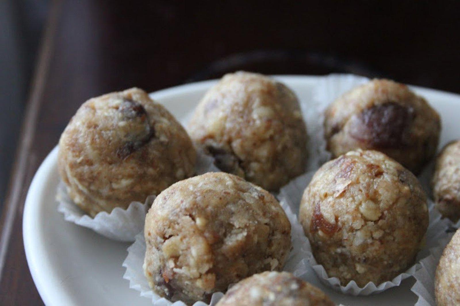Vegan Peanut Butter Snack Balls