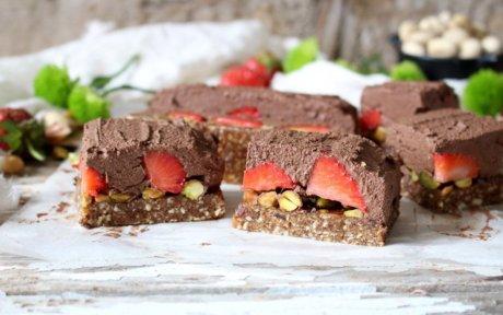 Vegan Strawberry Pistachio Chocolate