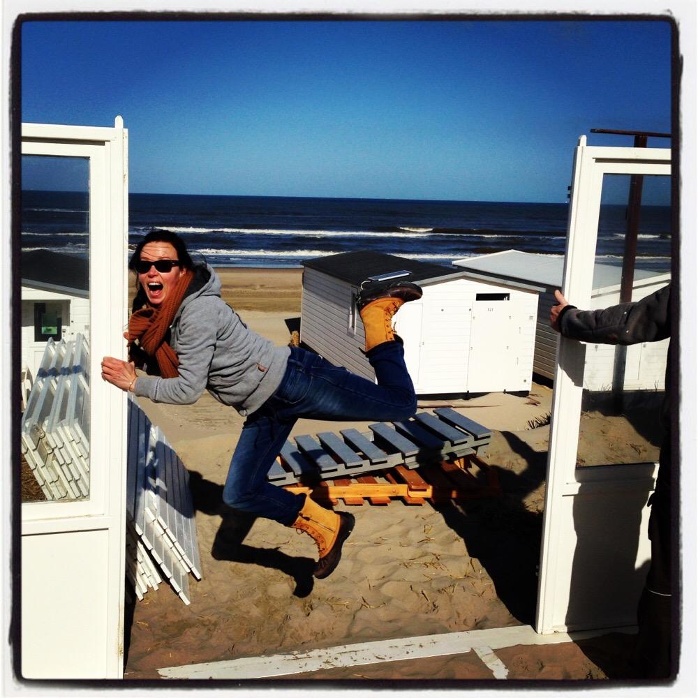 wind bij strandhuisje
